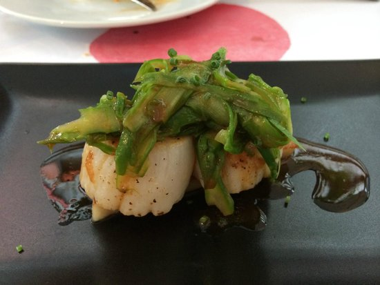 Bambarol: Scallops with pork belly