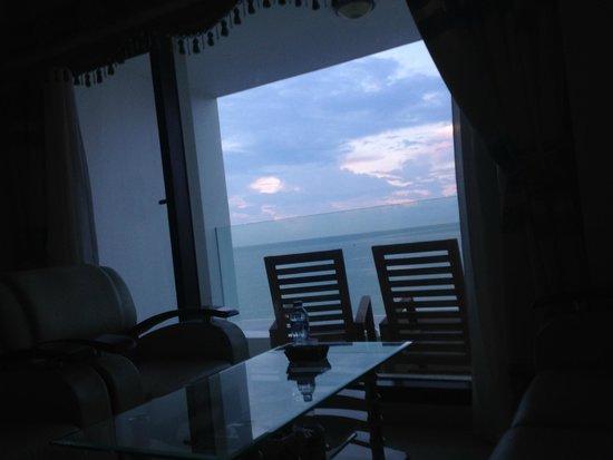 Ocean Front Hotel : вид с кровати