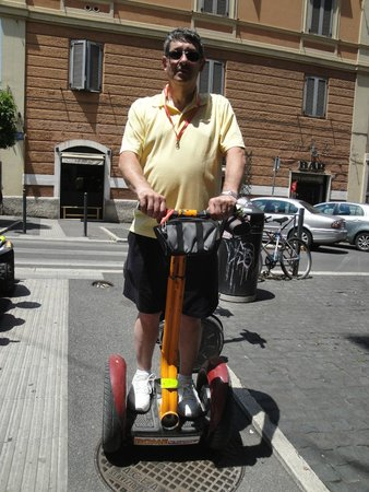 """Rome by Segway : Ben """"Look Ma, no cane"""""""