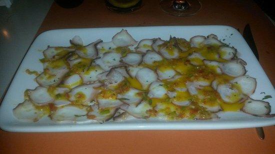 Arbeletxe: Carpaccio de pulpo con vinagreta de verduras y gengibre