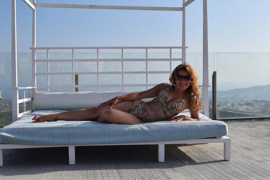 Orizontes Hotel & Villas: comfortable pool beds