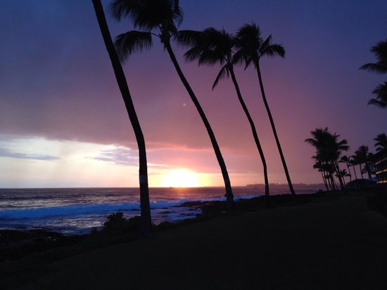 Kona Reef Resort: Sunset from just outside our lanai.