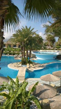 Atrium Palace Thalasso Spa Resort & Villas : Visione piscina centrale