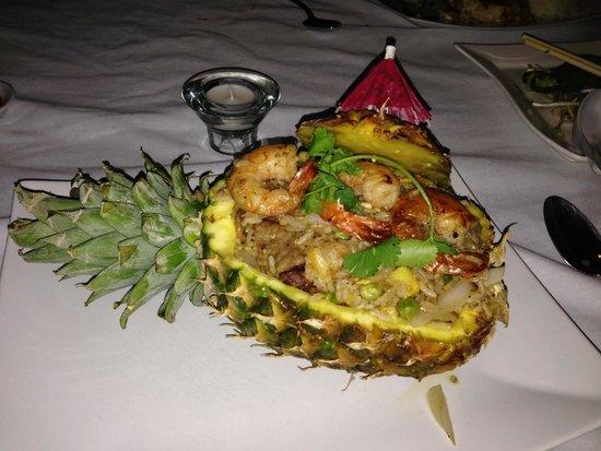 VietRiver : Pineapple shell fried rice