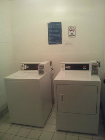 Sands Beach Club Resort: Laundry on 9th floor