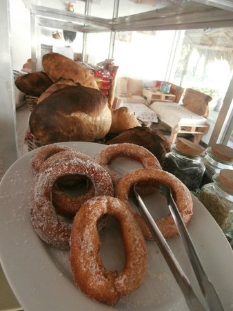 Mammamia Pizzeria y Cocina: homemade bread and cakes