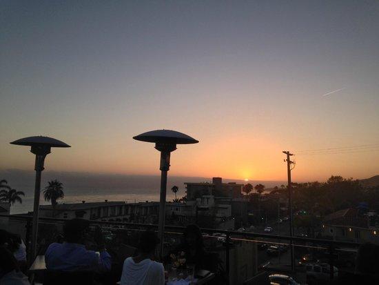 Mozambique Restaurant: Mozambique Rooftop Sunset