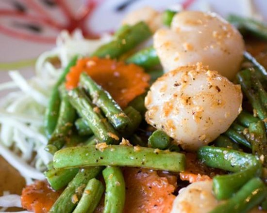 Thai Sawadee: Sea Scallops in Garlic & Pepper Sauce