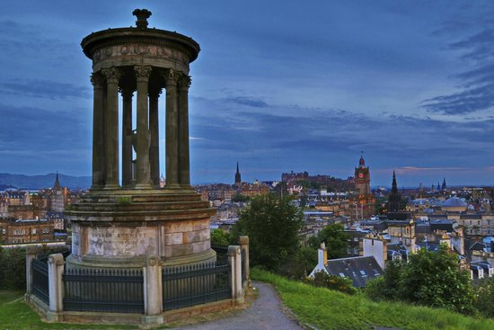 Iconic  Tours: Ducald Stweart Monument and Princess Street