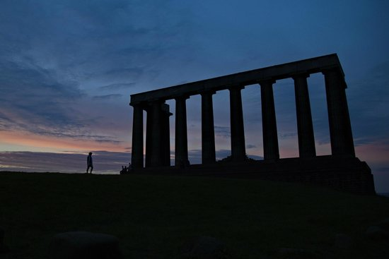 Iconic  Tours: National Monument of Scotland