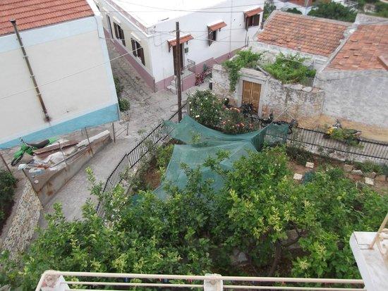 Sevasti Studios : Garden view at Sevasti