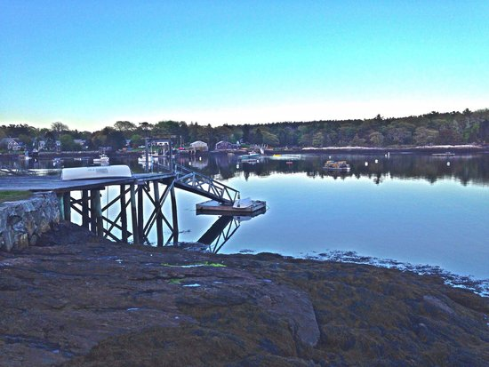 Five Gables Inn : Sunset off the dock - harbor view