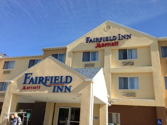 Fairfield Inn Great Falls: Front of Hotel