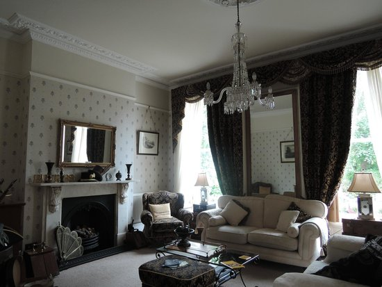 Butlers: Living room