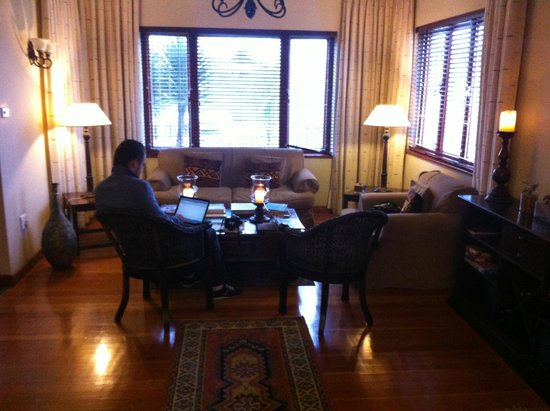 Central Guest House: Rest area