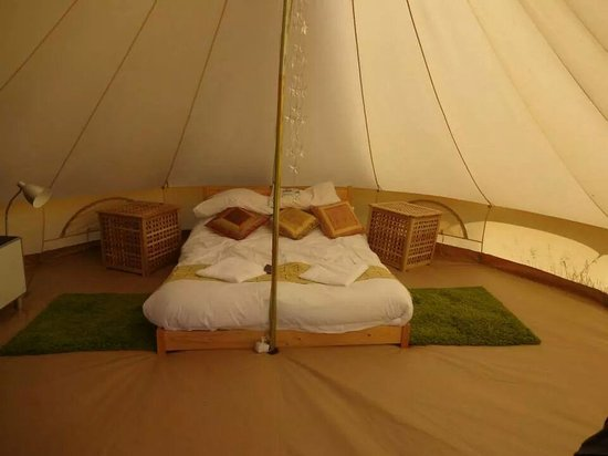 Machrihanish Holiday Park: Inside bell tent