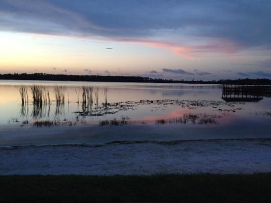 Diamond Resorts Grand Beach: Sunset over Grand Beach hotel lake