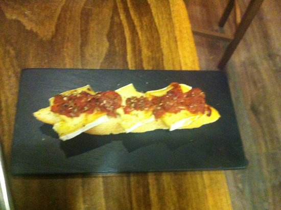 Taberna del Chato : brie con tomates secos