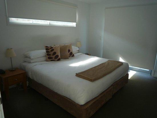 The Victoria Apartments: Bedroom