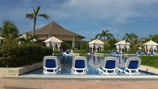Royalton Cayo Santa Maria: 2e piscine avec casse-croute