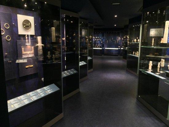 Musée d'art cycladique : Museum of Cycladic Art