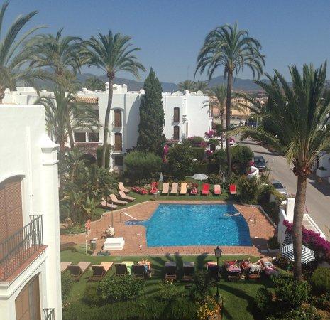 MacDonald Villacana Resort: 2nd pool from roof terrace