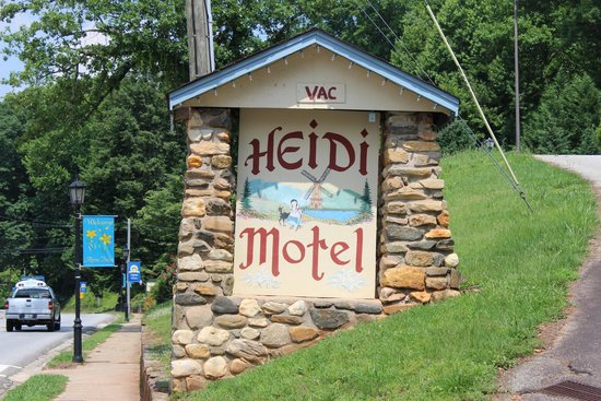 Heidi Motel: Sign at entrance