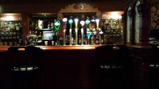 Dublin Skylon Hotel: The bar