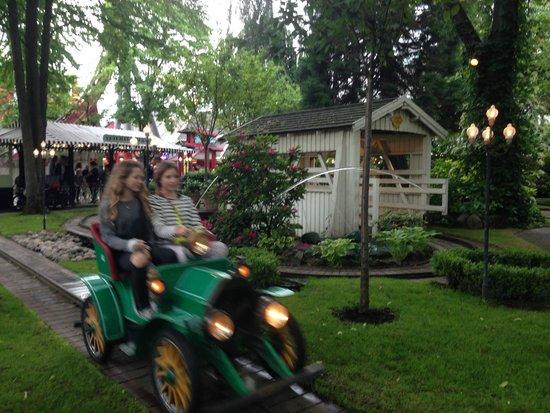 Jardins de Tivoli : аттракцион