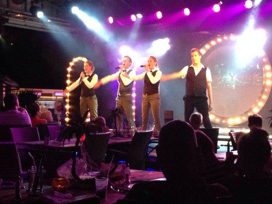 TUI Family Life Pascha Bay Hotel: Bästa showen ever!