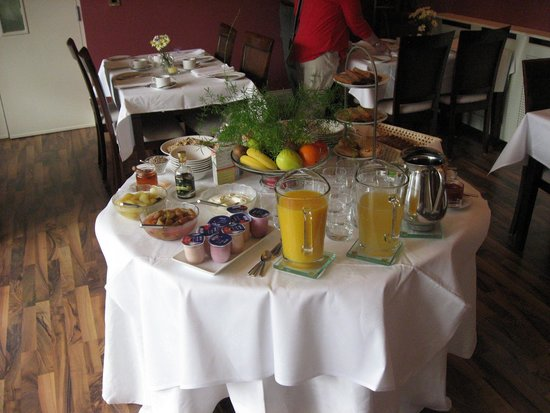 Rosquil House: Breakfast Spread