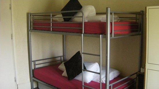 Lichfield Hotel: Bunks in Family Room