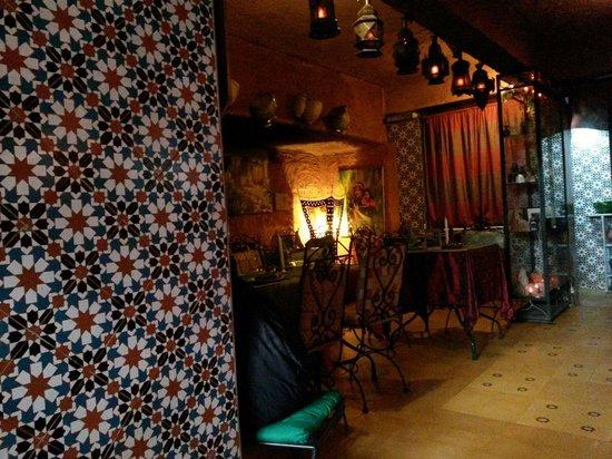 Tajine Wa Tanjia: Une vue du restaurant.