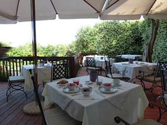 Villa Pane: Breakfast each morning