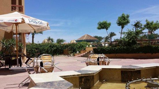 Hurghada SeaGull Beach Resort: swimming pool area