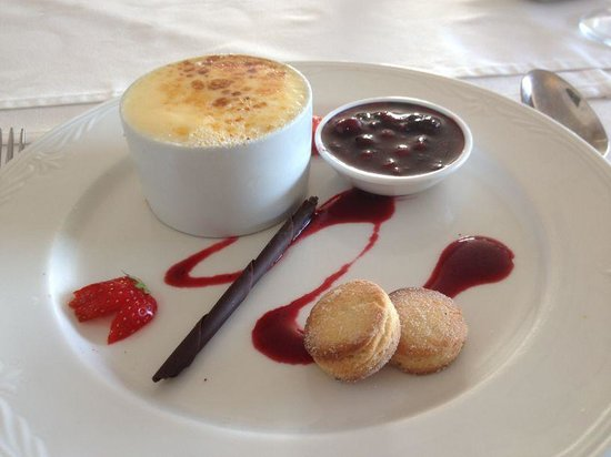 The Four Seasons Hotel: Lemon Curd Brulee - heaven!!!