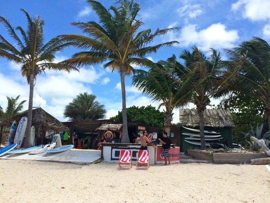 Le Galion Beach: Windy Reef Wind & Surf Pro Center