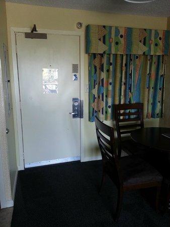 The Breakers Resort : door to room