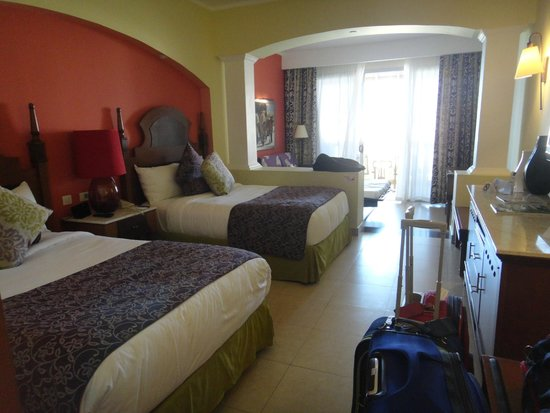Iberostar Rose Hall Suites : Good size for 4 or 5 people....