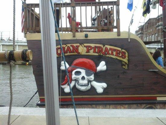 Urban Pirates: really cool ship