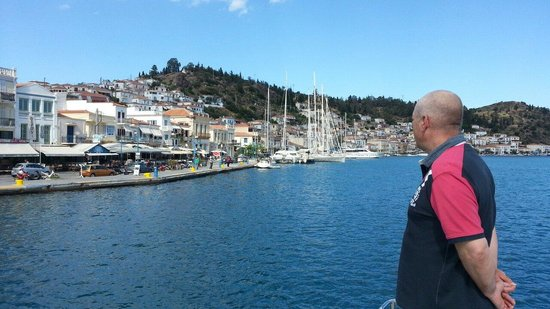 Kavas Yacht Charter : Just about to dock at Poros