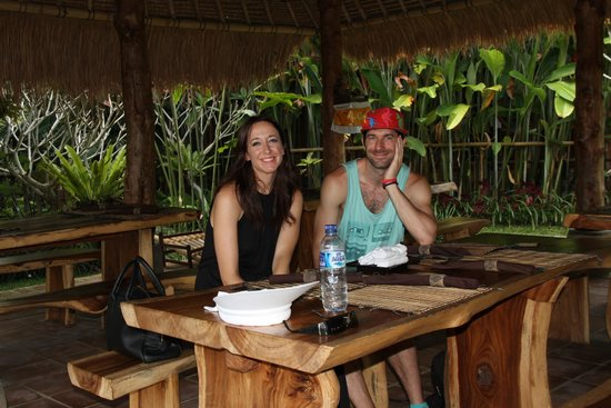 d'Alas warung: megan and scott in anticipation of a great meal