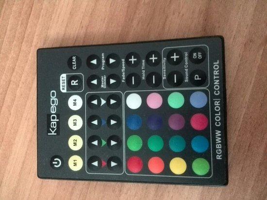 BEST WESTERN PLUS Parkhotel Erding: Scegli il colore del letto con il telecomando