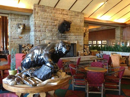 Fairmont Jasper Park Lodge: main lounge
