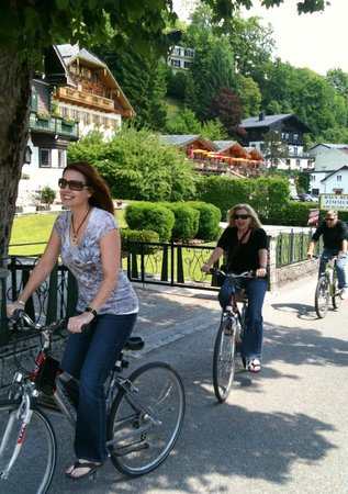Hotel Cortisen am See: Rent the bikes.. So much fun