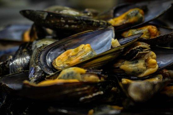 Fresh mussels at Toki Alai Jatetxea