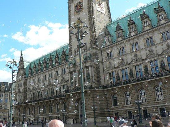 Town Hall : facciata