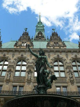 Rathaus: fontana