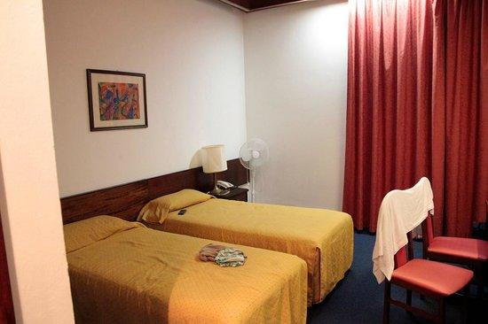 Hotel Riviera : Habitacion
