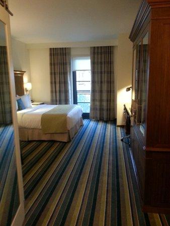 The Alfond Inn: The carpet is soooo soft and clean!